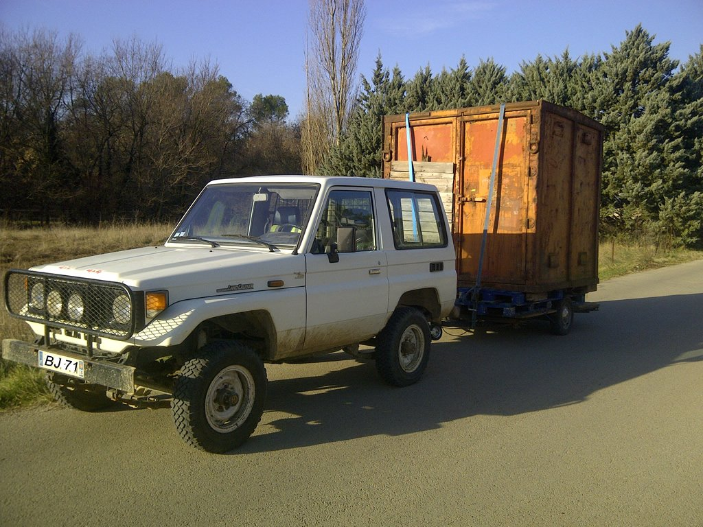 Toyota BJ tracter container